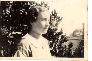 Enid aged 18.